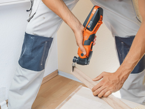 Fein cordless multimaster AMM 700 max top sawing through wood