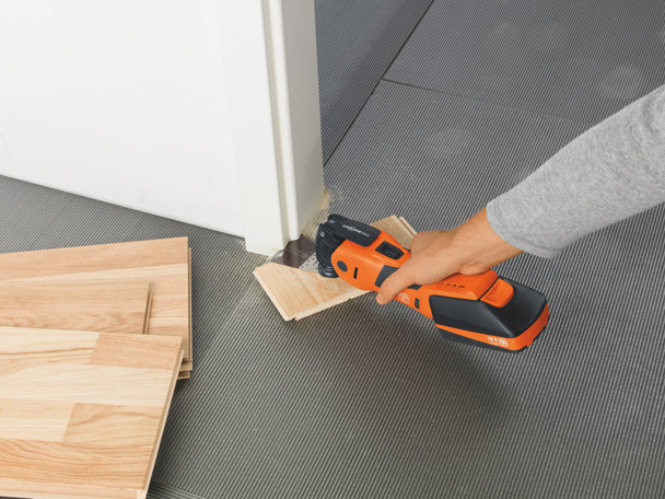 Fein cordless multimaster AMM 700 max top leveling the edge of a door frame