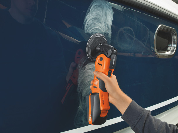 Fein cordless multimaster AMM 700 max top buffing out a boat