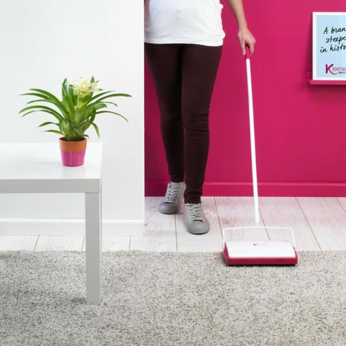 Kleeneze 1.1 m Three-Brush Carpet Sweeper   White/Pink