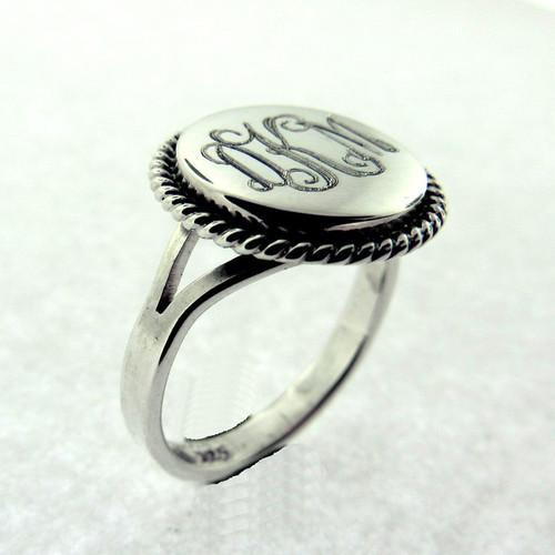 Round Nautical Ring