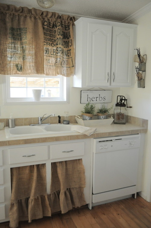 Beaching It with Burlap|Incorporate Coastal Style and a Bit of DIY