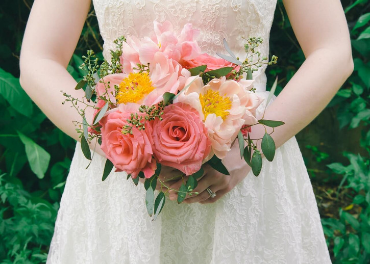 The Ultimate Guide to Buying Flowers for Your Wedding