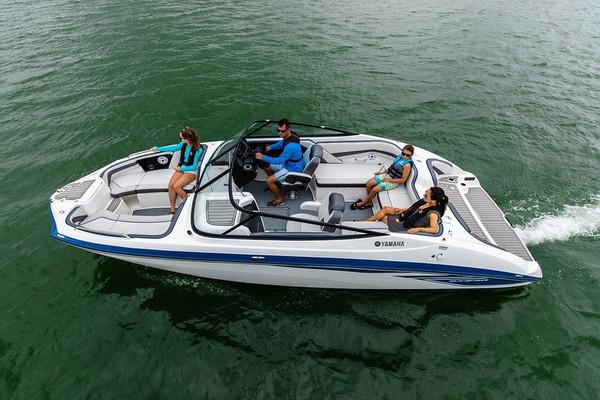 Yamaha SX240 Jet Boat