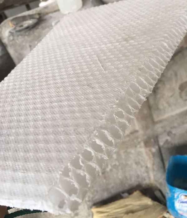 Honeycomb flooring for reduced water saturation