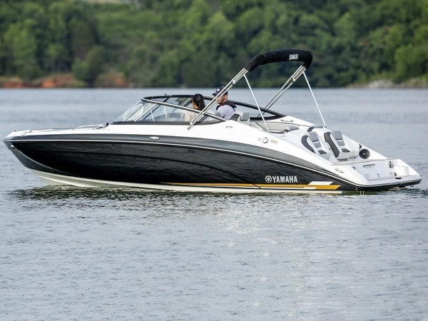 Yamaha 212 Jet Boat
