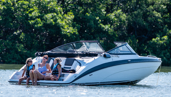 Yamaha 210SX Jet Boat