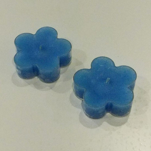 Specialty t-lights in the shape of flowers (2 per package) Blue