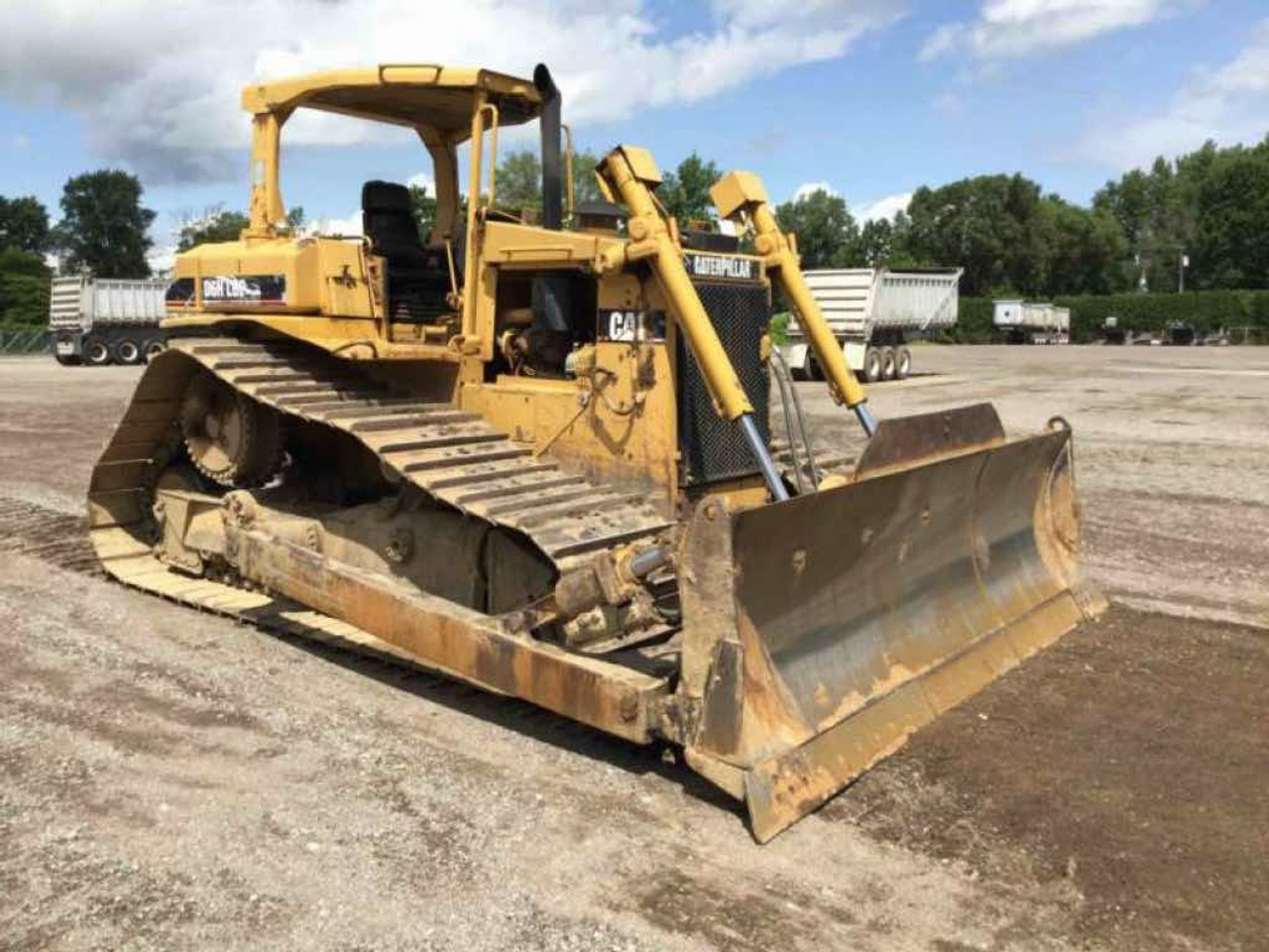 Caterpillar Bulldozer CATERPILLAR D6H LGP Fairly used Imported