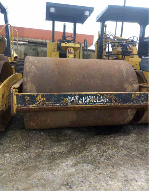 CATERPILLAR SMOOTH DRUM ROLLER AND COMPACTOR CAT CS 563 C