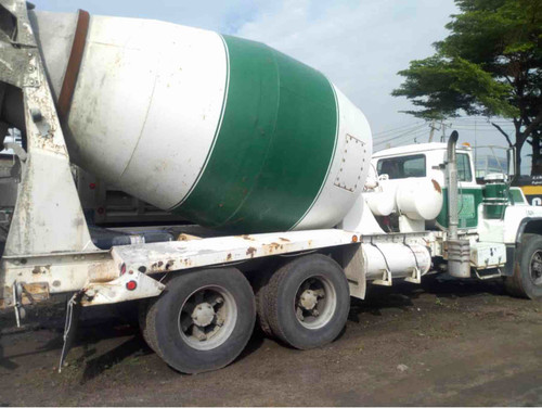 Concrete self mixer 10 tons on 1997 Used Mark Truck for sale side view