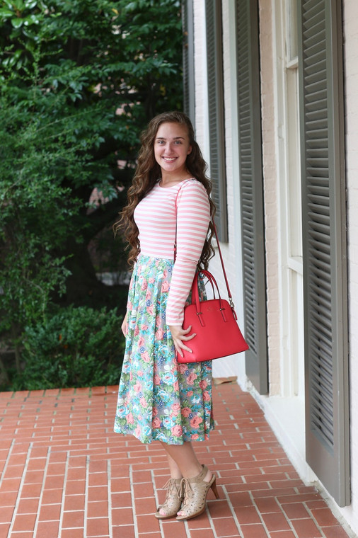 Modest Sidewalk Stroll Dress (Pink Florals)