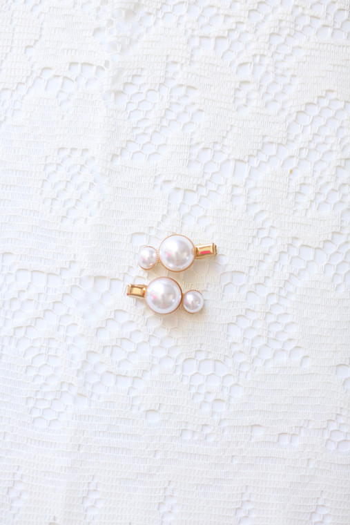 Dainty Pearl Clip