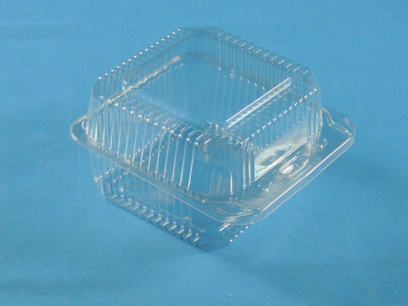LBN-5052 Clear Plastic Hinged Container  5 5/8 x 5 1/4 x 3 3/16