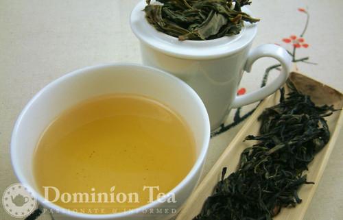 Fenghuang Dancong (Phoenix Oolong) Loose Leaf and Infused Liquor