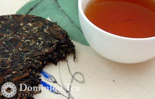 Oriental Beauty Tea Cake and Infusion