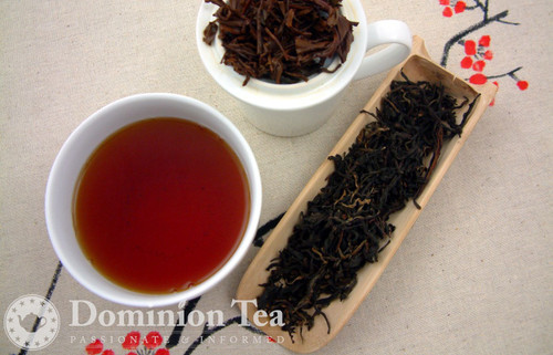 High Mountain Snow Shan Black Tea Dry Leaf and Liquor