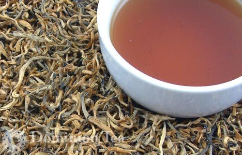 Yunnan Sunrise Dry Leaf and Liquor