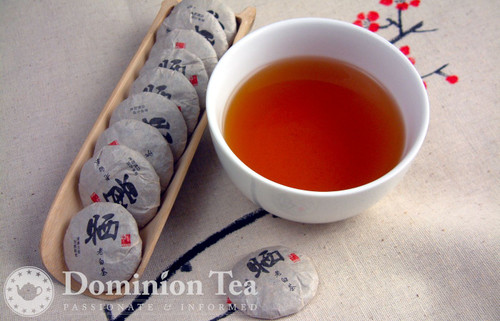 White Tea Buttons Dry Leaf and Liquor