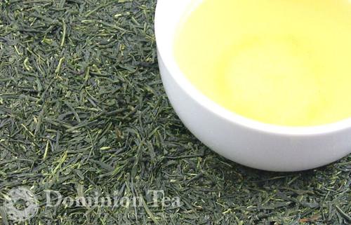Gyokuro Tea Dry Leaf and Liquor