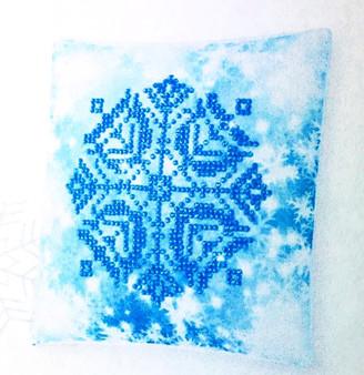 Decorative Christmas Snowflake Mini Pillow Case