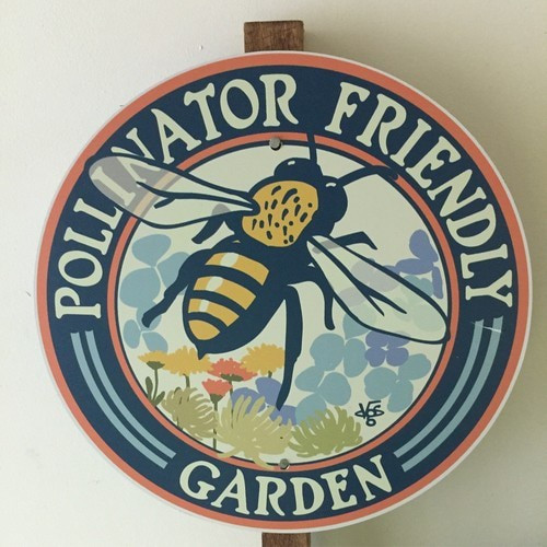 Garden Sign. Bee.