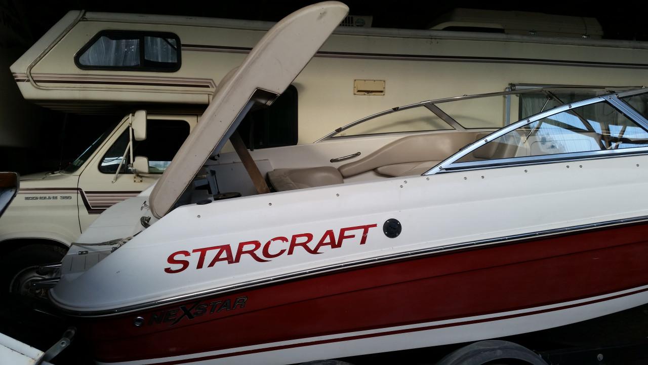 2002 19' STARCRAFT BOAT WITH MERCRUISER 5.0