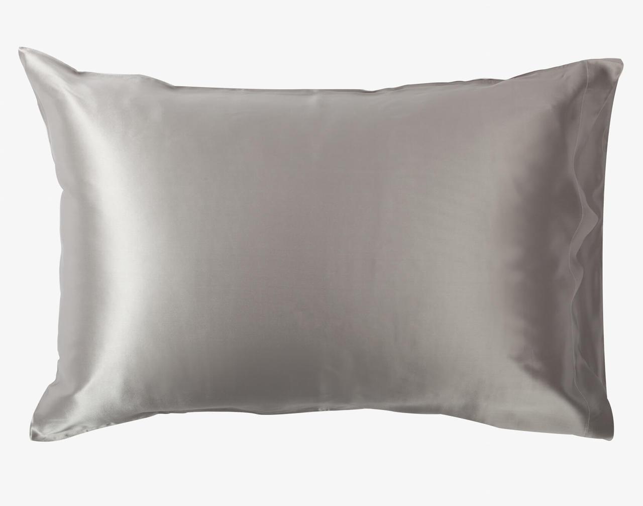 100% Mulberry Silk Pillowcase in Silver.