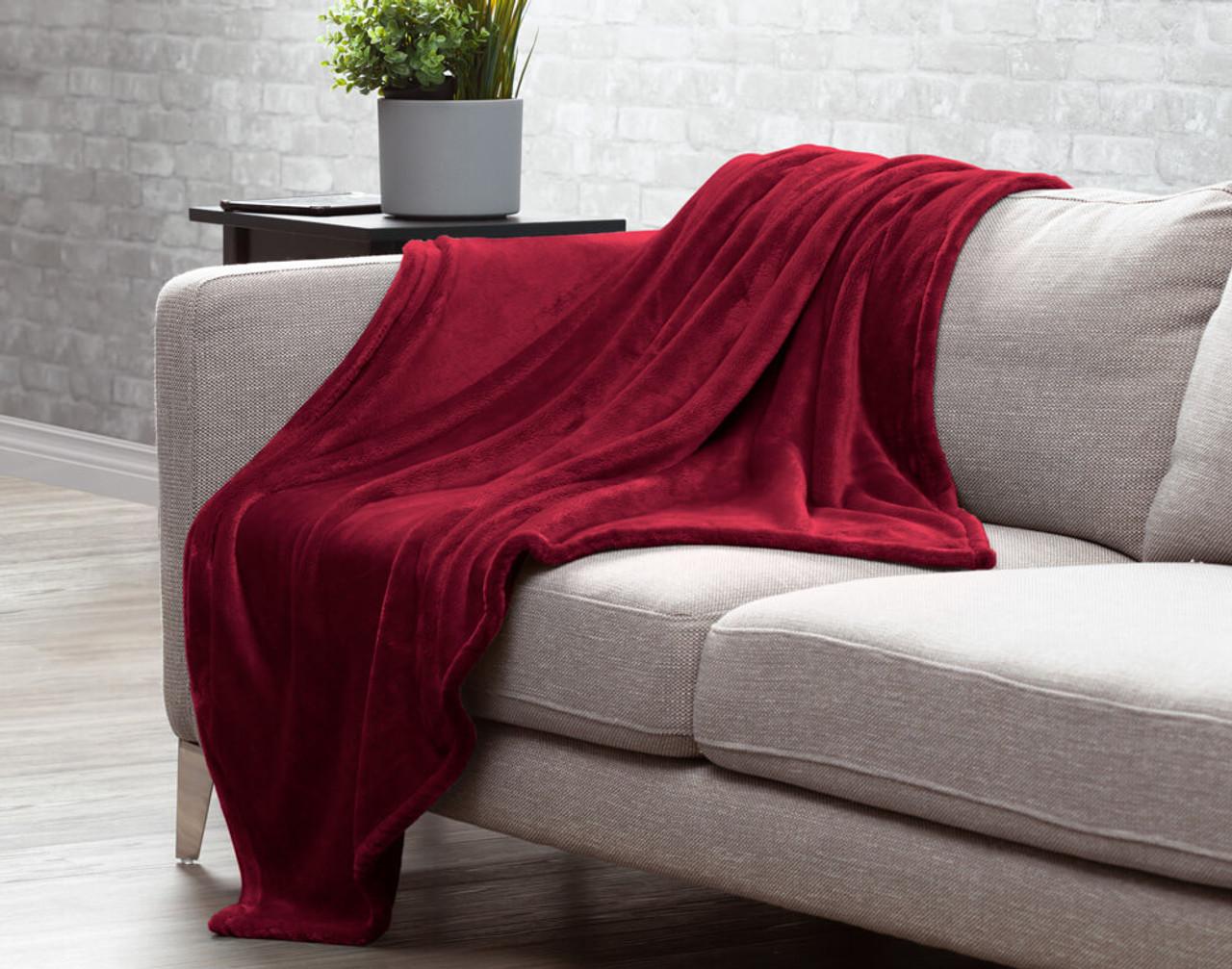 Velveteen Fleece Throw - Poinsettia