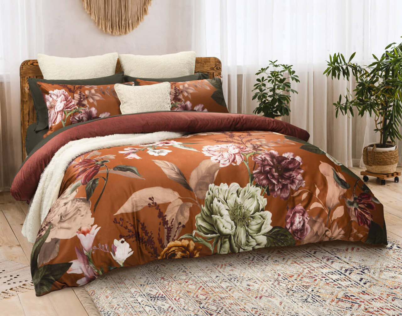 Lillith Duvet cover side view, shown with our BeechBliss Rainforest Green Sheet Set.