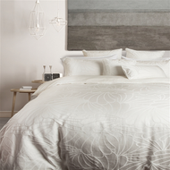 6 Reasons to use a Duvet Cover vs. a Comforter