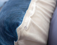 Ultramarine Pillow Sham zipper closure
