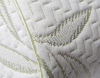MLILY® Bamboo Contour Memory Foam Pillow close-up of seam.