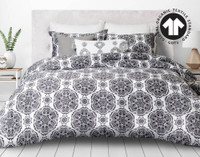 300TC Organic Cotton Duvet Cover Set in Pietra features a lovely design consisting of black and white.