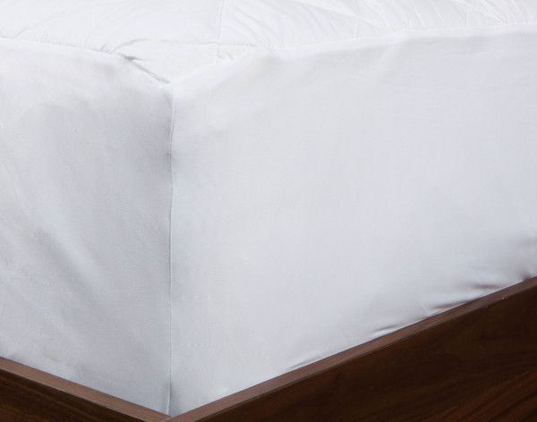 140TC Quilted Mattress Protector, corner view.