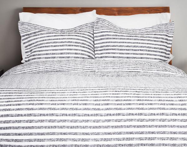 Delray Navy Cotton Quilt Set