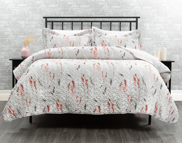 Roxanne Duvet Cover in shades of whites and reds