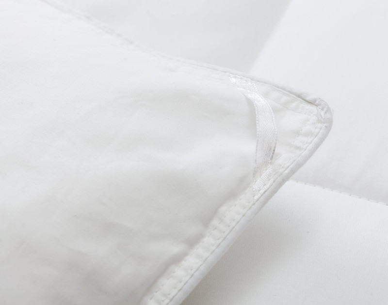 Carmanah Microgel Duvet, corner close-up