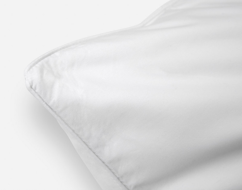 Close up of seam on Elite Pillow Protector.