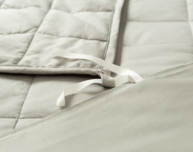 Balance Weighted Blanket close up of anchor ties