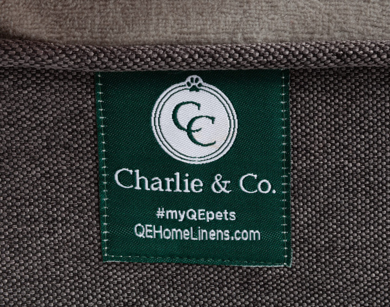 Charlie & Co Ergonomic Memory Foam Pet Bed