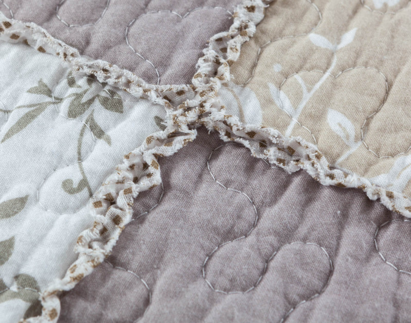 Close up of print on Graveley Cotton Quilt Set.