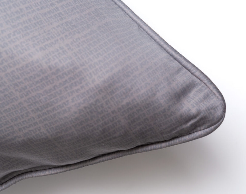 Brentwood Euro Sham piped edge close-up