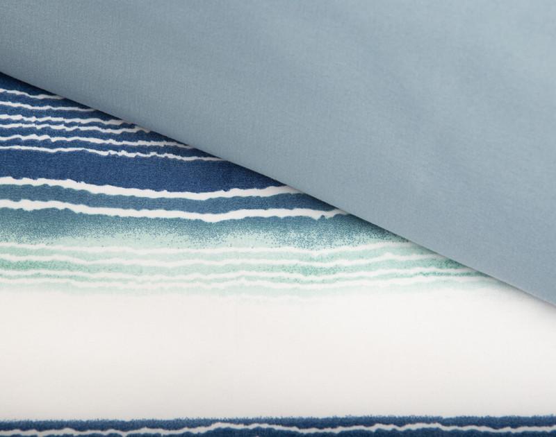 Front and reverse of windswept duvet cover, side by side