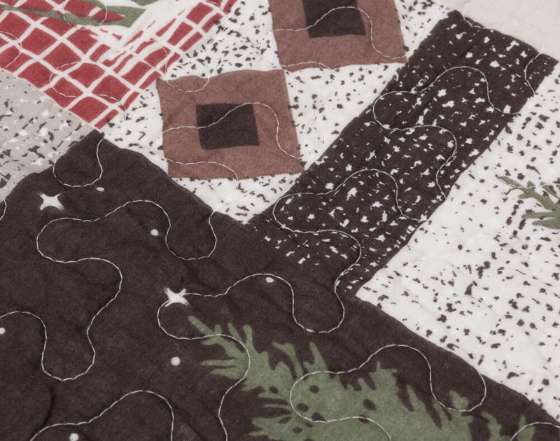 Close up of print on Back Country Cotton Quilt Set.