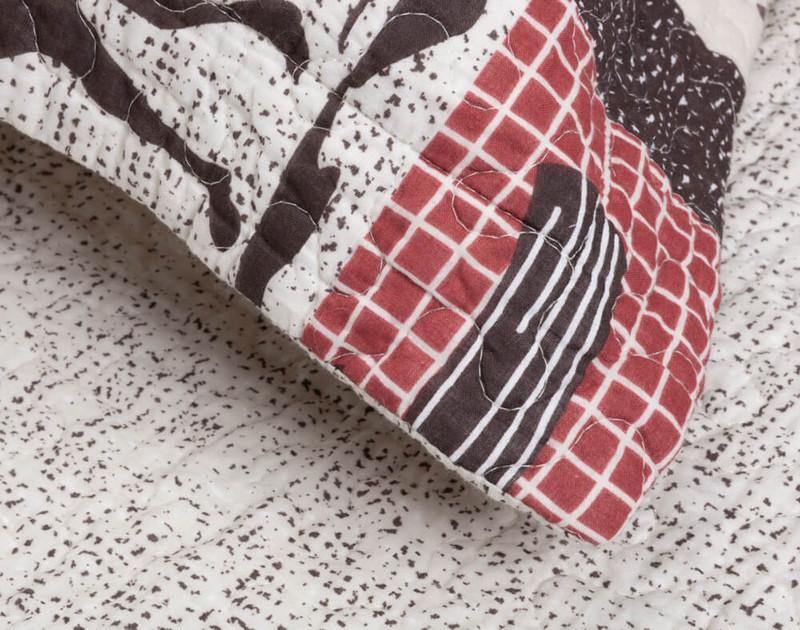 Close up of flange on pillow sham.