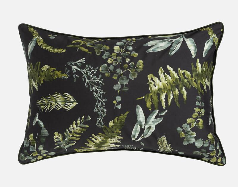 Kuranda Pillow Sham with black background.