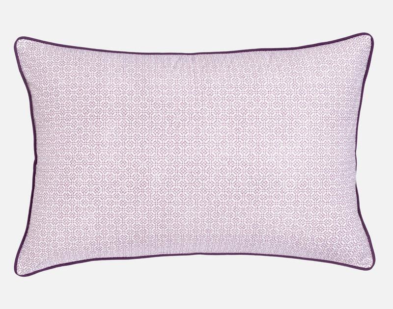 Esprit Pillow Sham, reverse view, a light pink link pattern.
