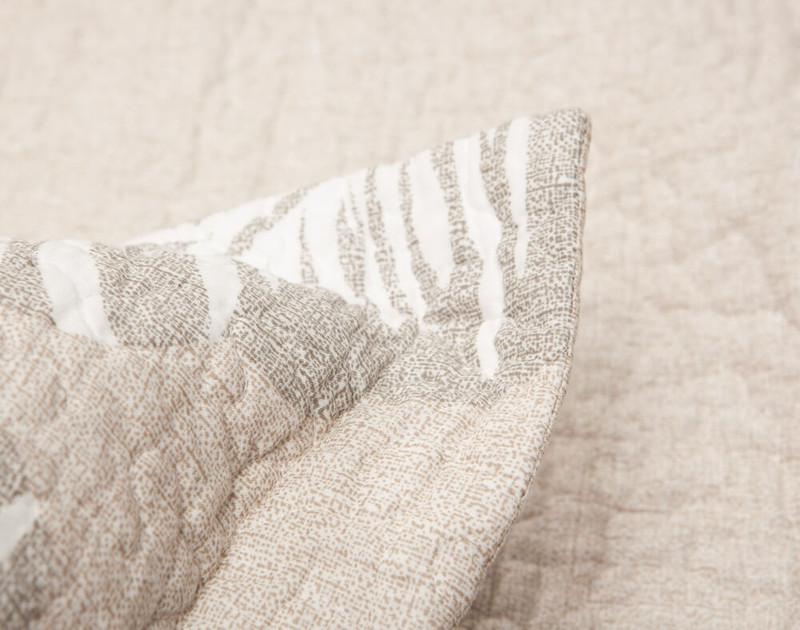 Close up of flange on Rattan Cotton Quilt Set.