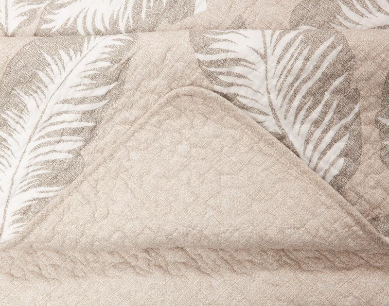 Seam detailing on Rattan Cotton Quilt Set.
